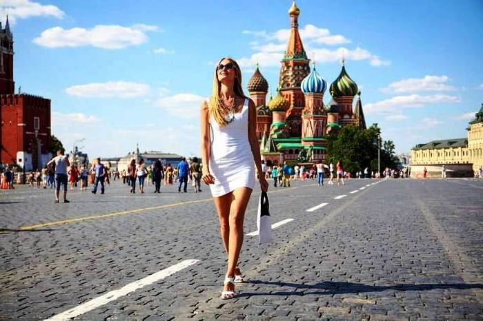 lucas hedges dating